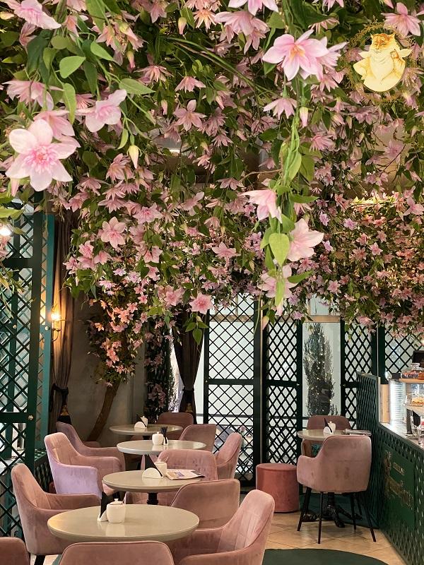 Augustas & Barbora love story café