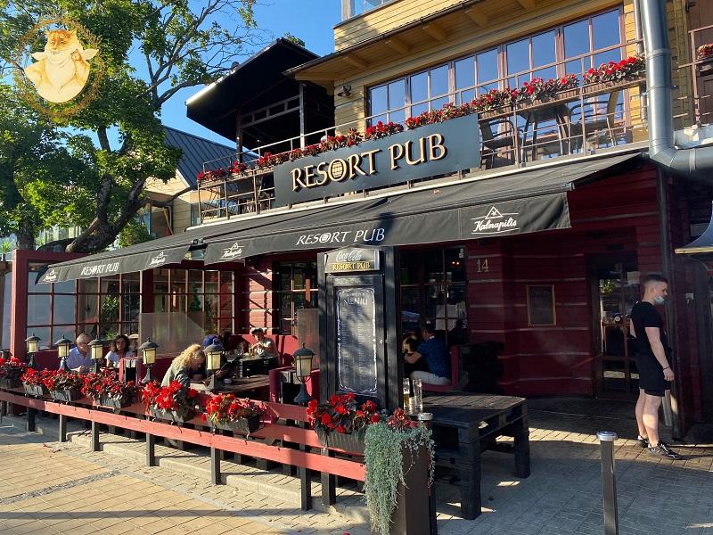 Resort Pub