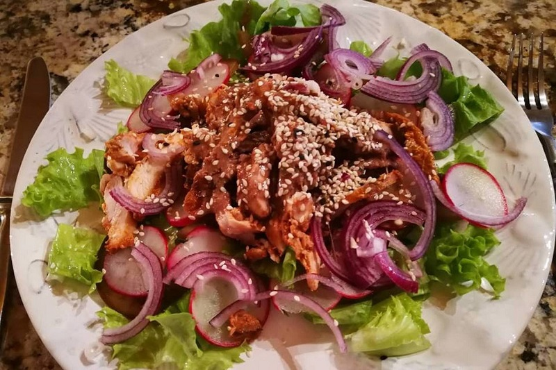 Netikėtai atrastas salotų padažas maloniai nustebino – ir skanu, ir kalorijų mažiau